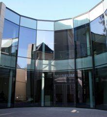 2009 LA8-Museum